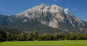 Die Hohe Munde vom Inntal bei Oberhofen